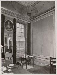 Interieur van het rooms-katholieke Armenkantoor, Keizersgracht 384
