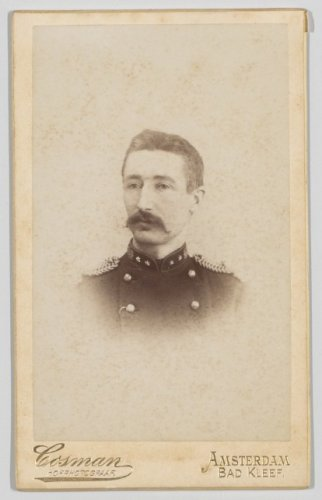 Carte De Visite Met Portret Van Jan Kuiper 1862 1938 In Militair Uniform