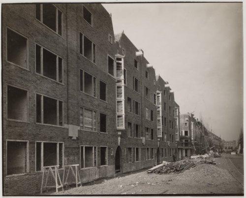beeldbank stadsarchief amsterdam - witte de withstraat, tussen van