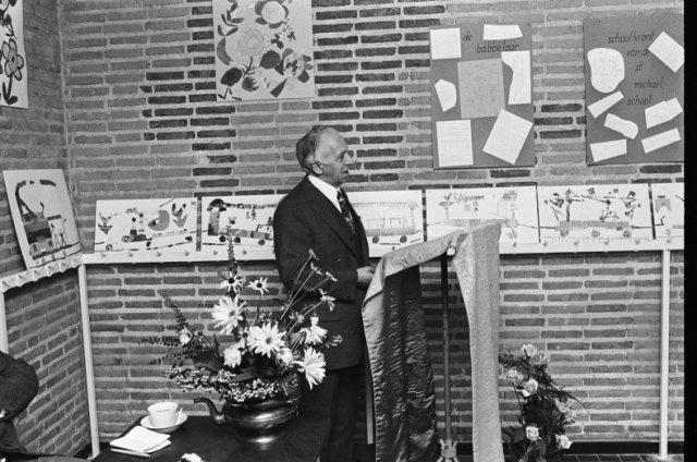 toespraak 40 jarig jubileum Toespraak van dhr. J. van der Net, hoofd van de St. Michaëlschool  toespraak 40 jarig jubileum