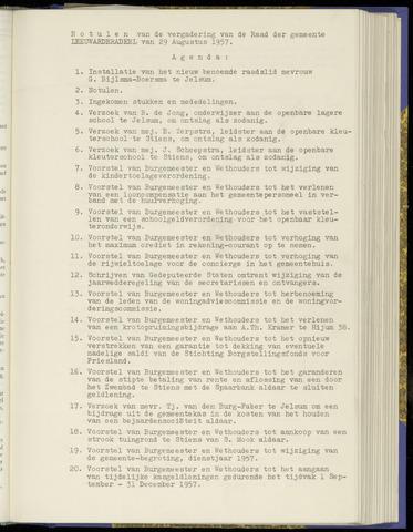 Notulen van de gemeenteraad van Leeuwarderadeel 1957-08-29