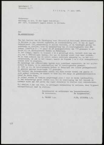 Notulen van de gemeenteraad van Leeuwarderadeel 1966-07-11