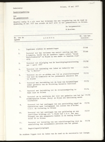 Notulen van de gemeenteraad van Leeuwarderadeel 1977-05-26