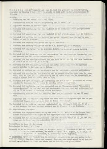 Notulen van de gemeenteraad van Leeuwarderadeel 1967-05-02