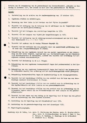 Notulen van de gemeenteraad van Leeuwarderadeel 1971-11-25