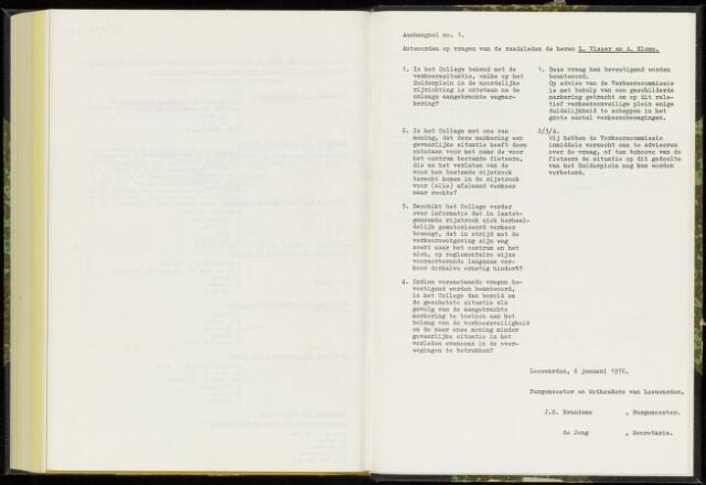 Raadsverslagen van de gemeente Leeuwarden, 1865-2007 (Schriftelijke vragen) 1976