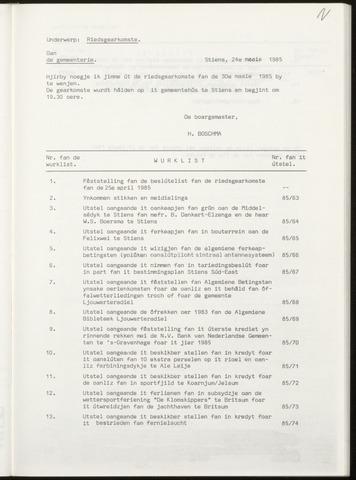 Notulen van de gemeenteraad van Leeuwarderadeel 1985-05-30