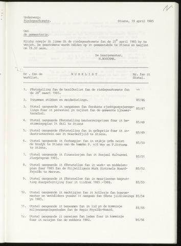 Notulen van de gemeenteraad van Leeuwarderadeel 1985-04-25