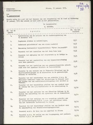 Notulen van de gemeenteraad van Leeuwarderadeel 1974-12-19