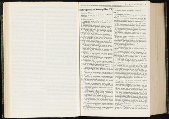 Raadsverslagen van de gemeente Leeuwarden, 1865-2007 (Notulen) 1951-12-12