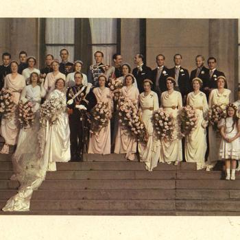Prinses Juliana en prins Bernhard met bruidsmeisjes, bruidsjonkers en bruidskinderen, 7 januari 1937