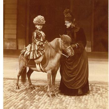 Het eerste ruiterportret van prinses Wilhelmina, 5 april 1887