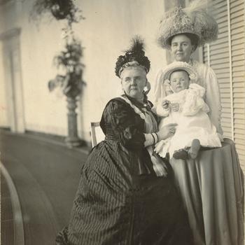 Drie generaties, Soestdijk, medio augustus 1910