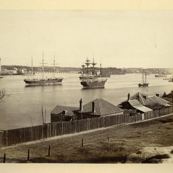 De Pyrmont Bridge en het stadsdeel Balmain in Sydney, circa 1870-1878