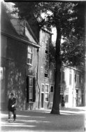 Gezicht op de hoek Kaiserstraat en Rapenburg