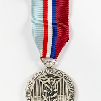 Herinneringsmedaille ter gelegenheid van de 50e herdenking van de Slag om Arnhem