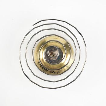 broche van zilver, goud en roestvrij staal