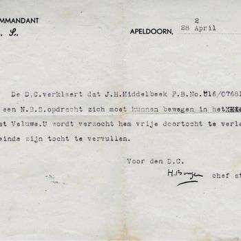 Doortochtbewijs op naam van J.H. Middelbeek voor NBS een opdracht, 28-04-1945