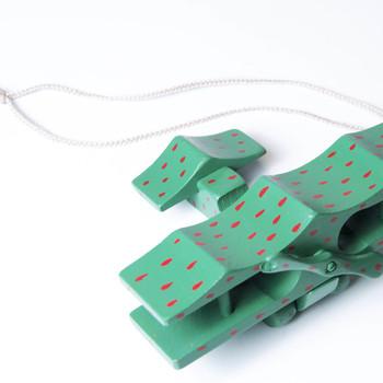 Pendant (green airplane)