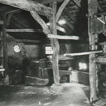 Interieur papiermolen Openluchtmuseum