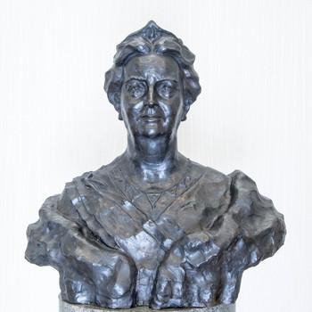 bronzen buste met portret van koningin Wilhelmina (1880-1962)