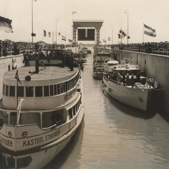 Opening Amsterdam-Rijnkanaal bij Tiel