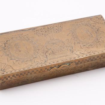 Tabaksdoos van messing, 1787