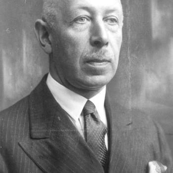 Portret van F.M.P. Gouverne, directeur van jamfabriek Mij. De Betuwe te Tiel, circa 1940