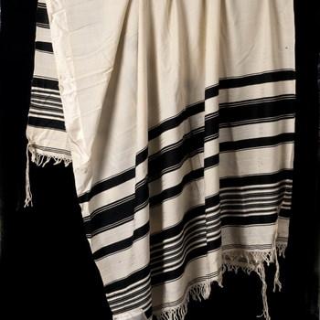 Gebedsdoek van katoen en satijn, afkomstig van de Joodse Gemeenschap Tiel, 1930-1980,  werktitel