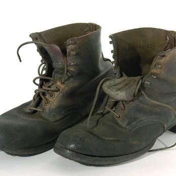 Schoen, legerschoenen, vetleren bottines, 1940-1945,  werktitel