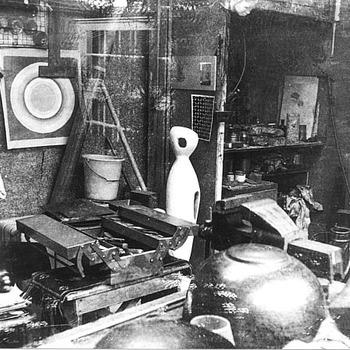 Atelier van Lex Ernste aan de Heiligestraat te Tiel, circa 1970
