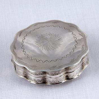 Pillendoos van zilver, 1858,  werktitel