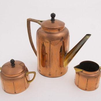 Theeservies van rood koper, vervaardigd door Metaalwarenfabriek Daalderop te Tiel, ca. 1920