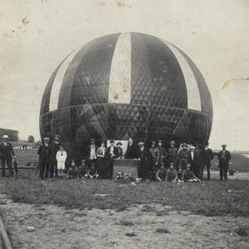 Ballonvaart op de Nieuwe Kade te Tiel