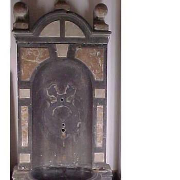 Fontein, gemaakt van marmer, afkomstig uit de synagoge van Tiel, 1800-1850,  werktitel