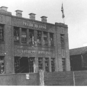hoofdgebouw,oorlogsschade, 1944-1945.