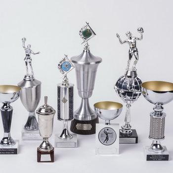 """Wedstrijdbeker van  handbal/volleybalvereniging """"De Batauwe"""", 1980-1990"""