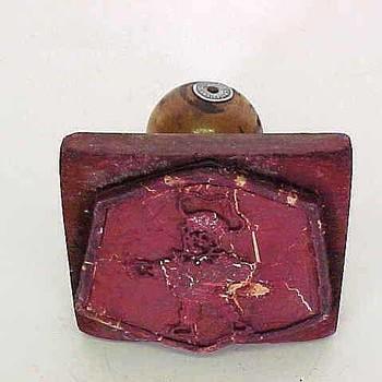 Stempel van hout met afbeelding van Flipje, afkomstig van Mij. de Betuwe te Tiel,  werktitel