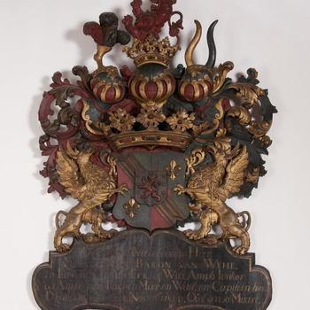 Rouwbord van gepolychromeerd lindehout en het wapen van Evert Johan baron Van Wijhe, 1735,  werktitel