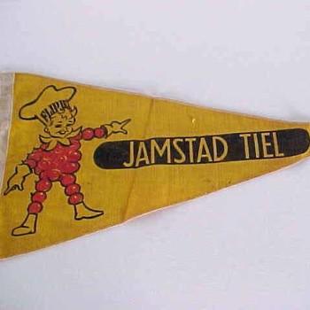 Fietsvlag met afbeelding van Flipje en tekst Jamstad Tiel,  werktitel