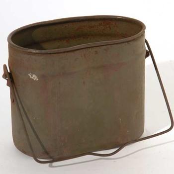 Etensbak, gebruikt in het leger, 1940-1945,  werktitel