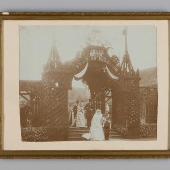 Trouwfoto van het echtpaar Von der Goltz-Brantsen