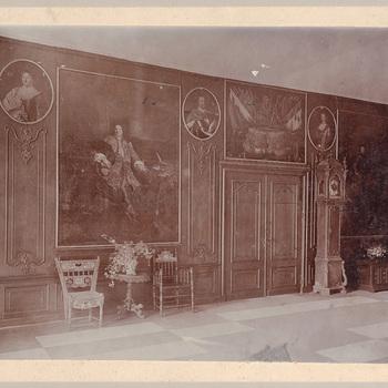 Foto van de ontvangsthal van kasteel Cannenburch
