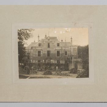 Foto van kasteel Staverden tijdens de bouw