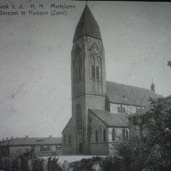 RK kerk en school van de parochie van de H.H Martelaren van Gorkum