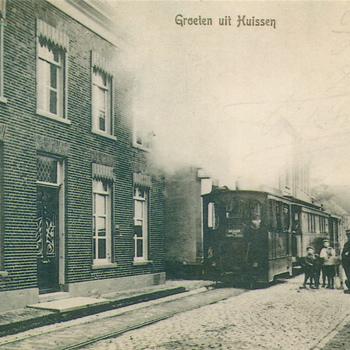 Rijdende stoomtram in de Langestraat in 1910