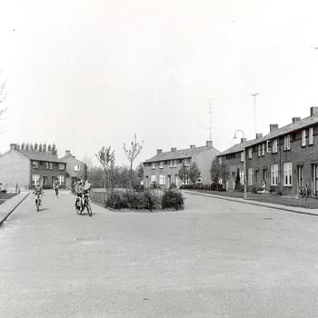 Van Kleefplein in de jaren 1950