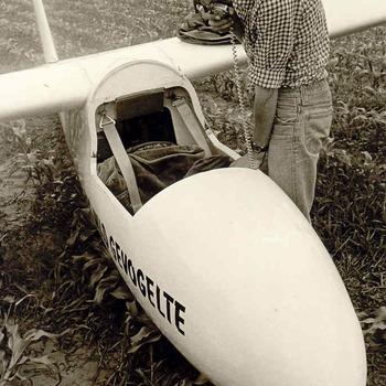 Bennekom  - noodlanding zweefvliegtuigje