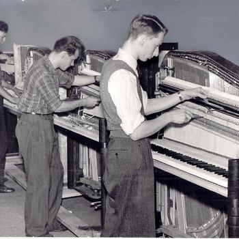 Fabrieken; pianofabriek Rippen