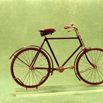 Museum Oud Ede ; tentoonstelling 150 jaar fiets in 1981